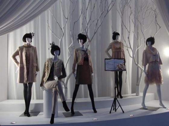 到底需要怎样的服装模特道具配合更完美!