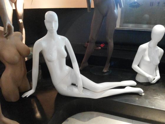 服装店假人模特儿的陈列方法